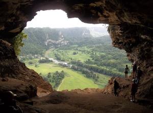 cave-743580_640